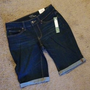 Time and Tru Mid Rise Jean Shorts Size 4